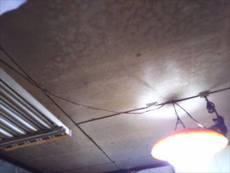 君津市の雨漏り調査、瓦屋根葺き直し工事で問題解決