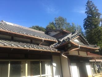 瓦屋根の調査実施、入母屋