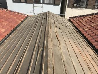 土葺きからの屋根葺き替え工事 野地板などの下地を作る