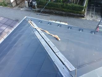 飛散してしまった棟板金、工事前