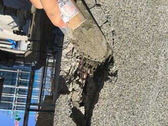外壁の爆裂箇所の補修工事実施