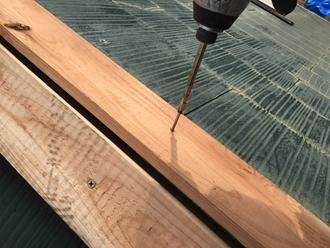 貫板の取り付け、ビスで固定