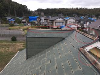 富津市数馬にて台風15号の被害で棟板金の飛散、台風19号が心配です