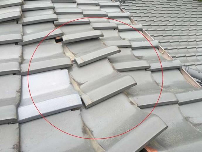 瓦屋根のズレ、強風の影響