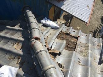 棟瓦のズレ、落下の危険もあります
