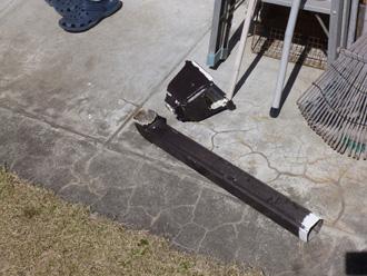 千葉市美浜区で雨樋のたわみ、集水器の落下