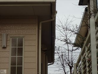 雨樋の排水不良、原因は雨樋の歪み|袖ケ浦市