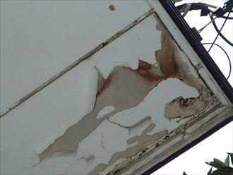 シート防水の剥離が原因による雨漏り|市原市
