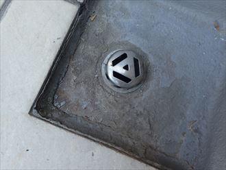 袖ケ浦市 排水口廻りの防水層の傷み