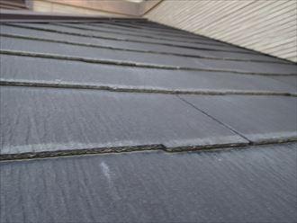 木更津市の屋根調査、化粧スレートに多数ひび割れ原因は本体
