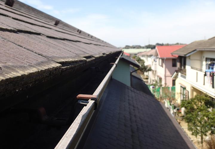 袖ヶ浦市神納にて台風被害により雨樋が破損してしまいました