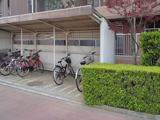 駐輪場の屋根調査実施