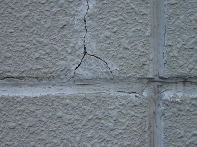 君津市 外壁に起きた爆裂