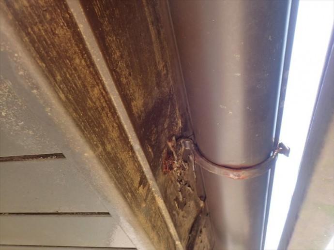 君津市 樋吊り金具の劣化