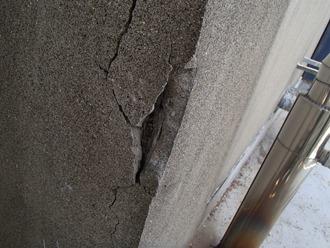 外壁の出隅の爆裂調査