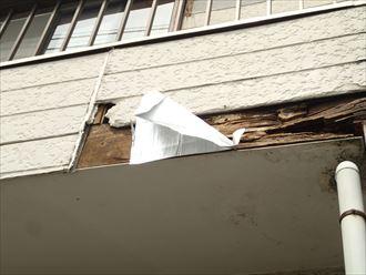 通路床と外壁材の問題よる、外壁の雨漏り|市原市