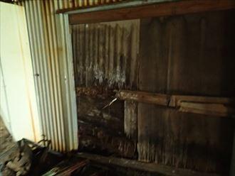 市原市の工場金属波板の腐食による雨漏り張替えで改善