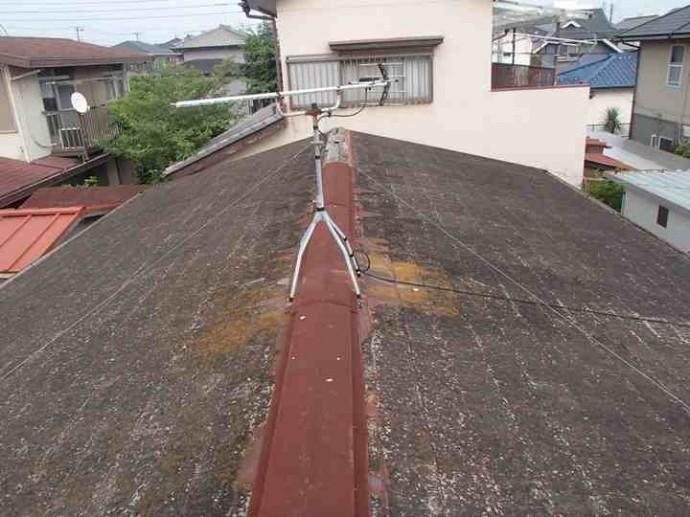 スレート屋根の雨漏り箇所調査