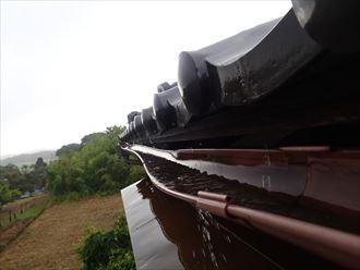 市原市 雨樋の歪み