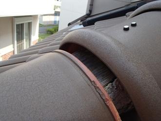 棟瓦のズレがあり雨漏りの可能性