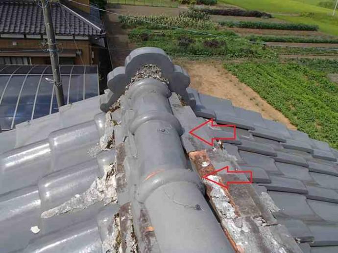 棟瓦からの雨漏りの特定