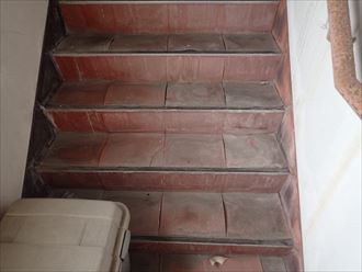 階段,3階,めくれ