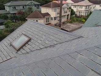 経年劣化されたスレート屋根の調査