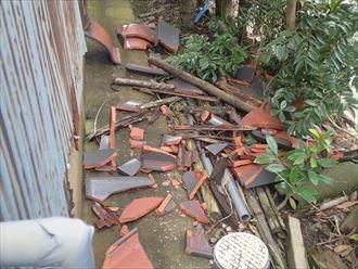 瓦の落下は雨漏り二次被害に繋がり危険です|富津市
