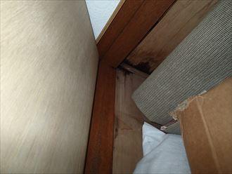 君津市の雨漏り調査、陸屋根防水の劣化が原因