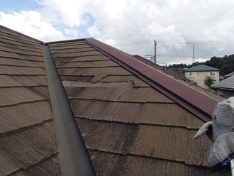 スレート屋根の調査を実施、苔カビあり