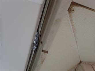 君津市 樋吊り金具の固定