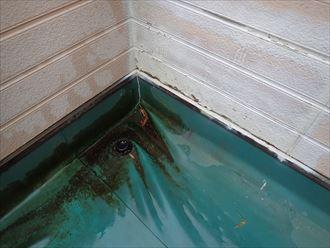 市原市 コーナーの防水層の劣化