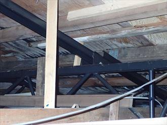 市原市 屋根裏の雨漏り状況