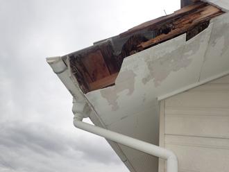 破風板が破損