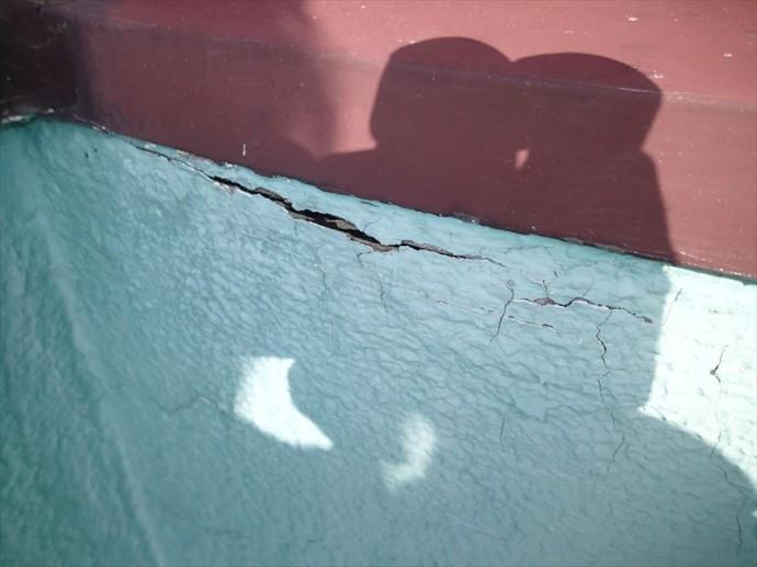 富津市 防水層の亀裂