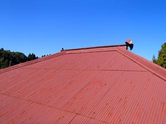 老朽化したトタン屋根