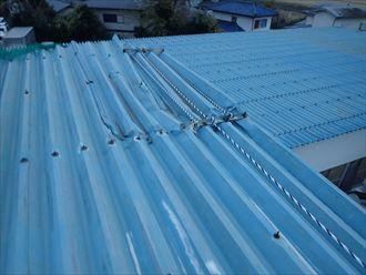 木更津市 折板屋根の剥がれ状況