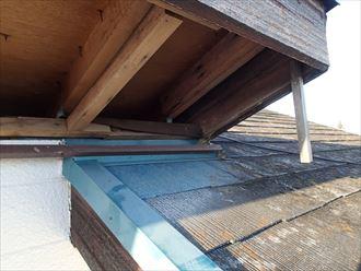 市原市の屋根調査軒天の剥がれと化粧スレートの劣化