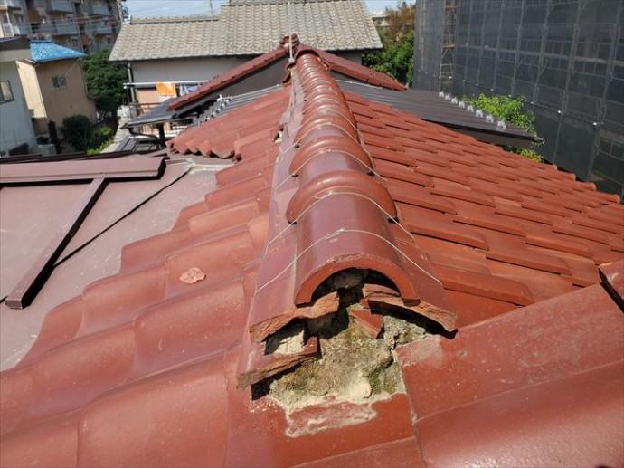台風15号の強風の影響により棟が歪んでしまいました