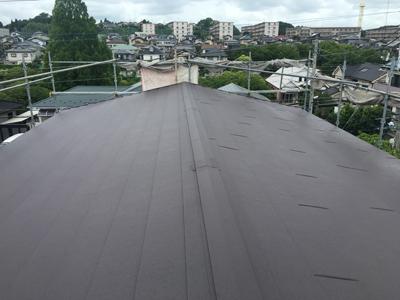 酒々井町東酒々井にてスーパーガルテクトでクラックが出てきたスレート屋根を屋根カバー工事アフター
