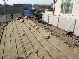 既存の屋根材を撤去したところ