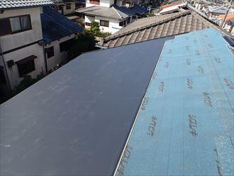 ガルバリウムの屋根材で屋根葺き替え