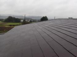 千葉市緑区鎌取町で間違った工事による雨漏りを屋根カバー工法で解消ビフォー