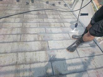 千葉市緑区のS様邸の屋根塗装工事、洗浄からスタートです