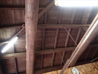 袖ヶ浦市の店舗|1階コロニアル屋根からの雨漏り調査