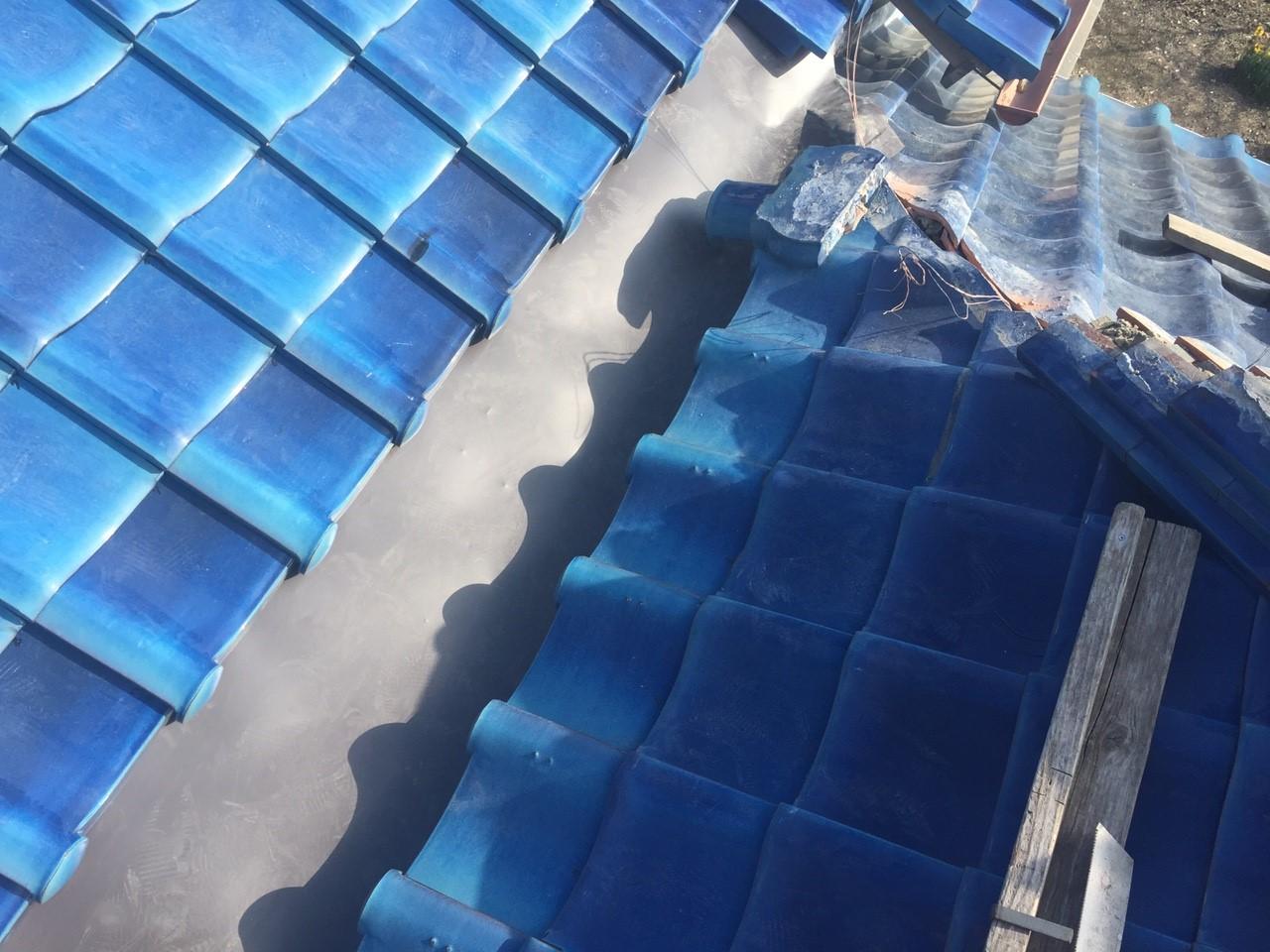 鴨川市|谷樋に交換するための棟瓦取り直し工事