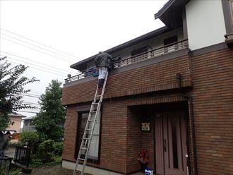 木更津市のN様邸のベランダ漏水調査工事の様子です