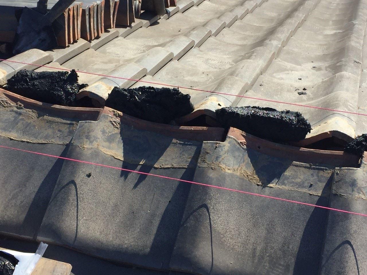 千葉市|瓦屋根の漆喰詰め直しと漆喰取り直し