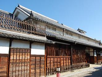 二階建ての古民家