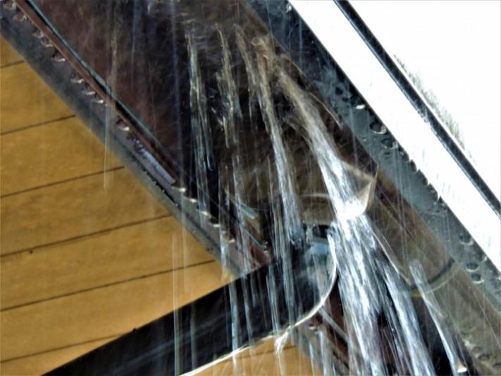 雨水が溢れてくる雨樋